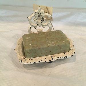Metal soap dish